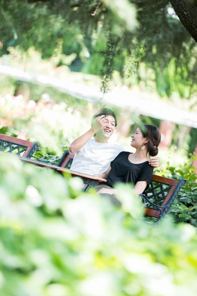 京都の植物園でのエンゲージメントフォト
