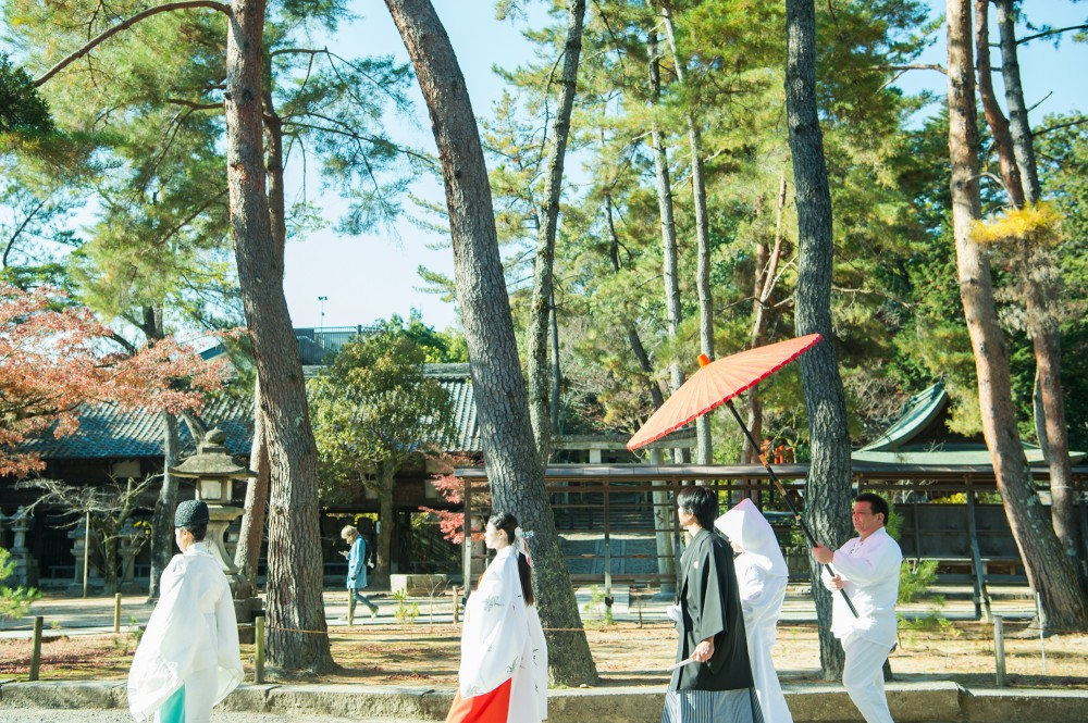 神社で花嫁行列