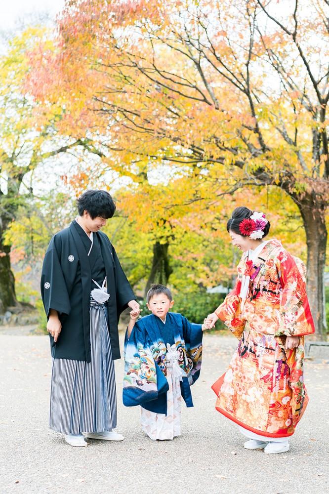 赤と黄色が色づく京都円山公園