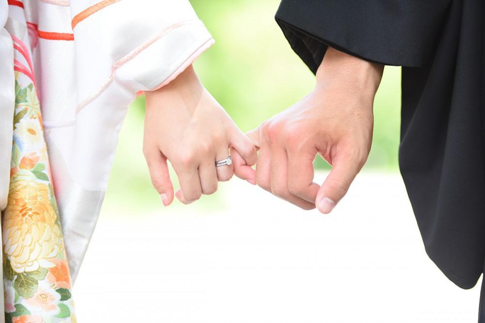 手繋ぎ写真。指輪も。京都美翔苑