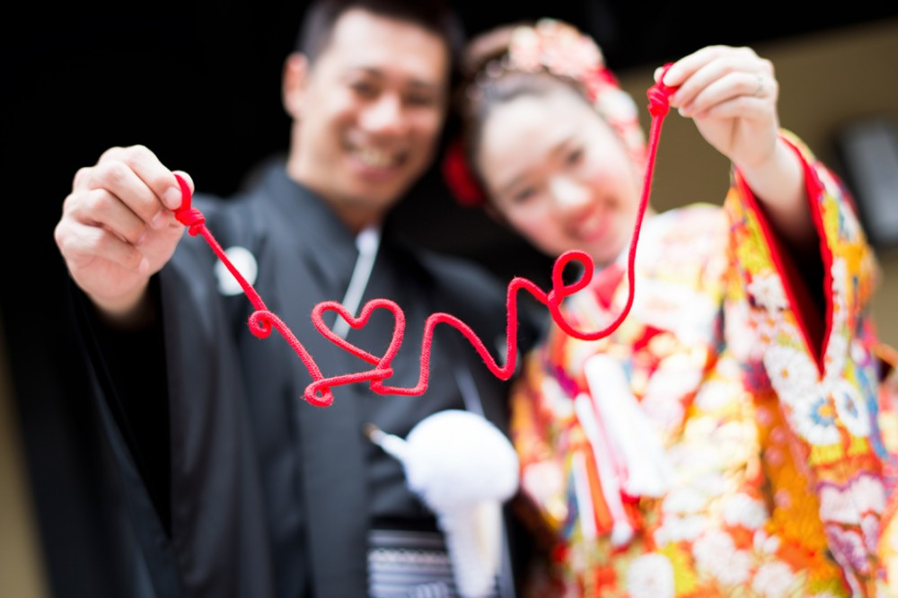 和装の人気アイテムの赤い糸