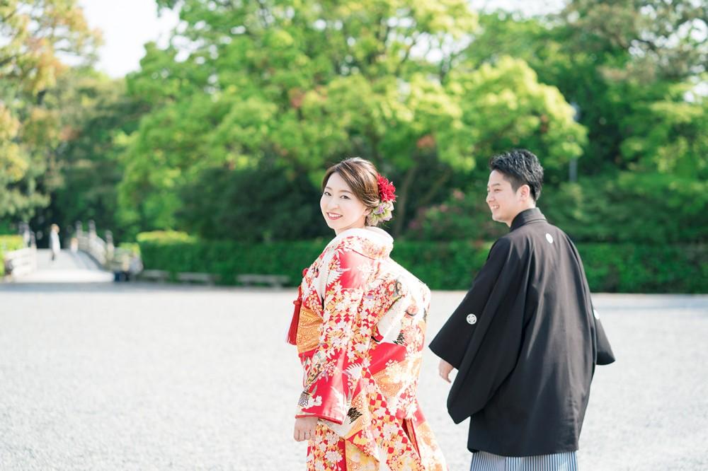 和装前撮りを楽しんでいるお写真。京都前撮り美翔苑より