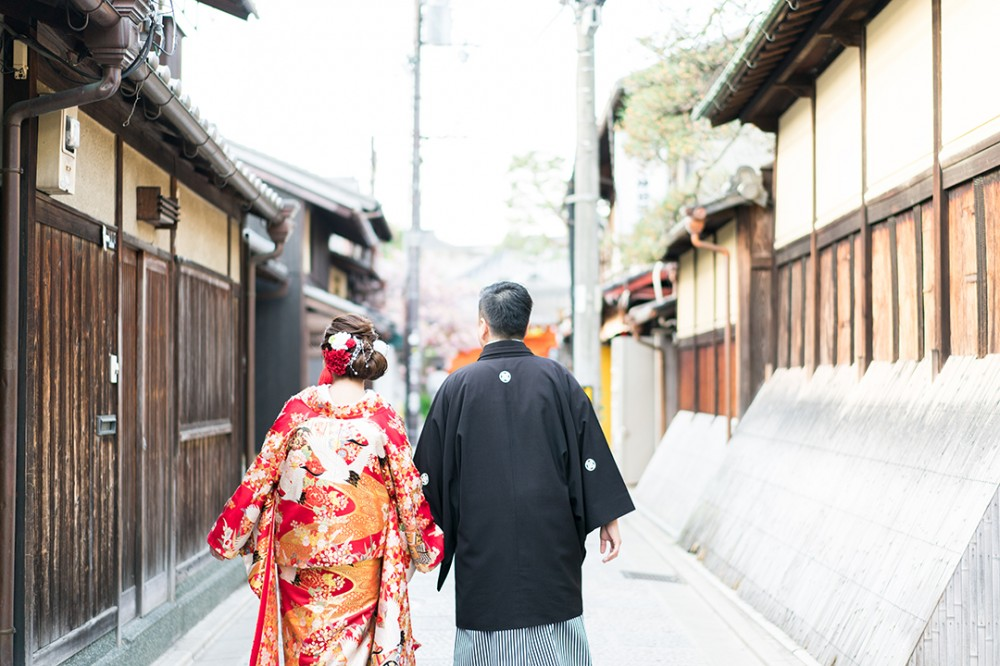 八坂は庚申堂へ向かう新郎新婦様