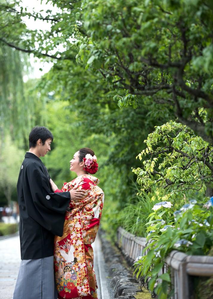 紫陽花咲く祇園白川で前撮り