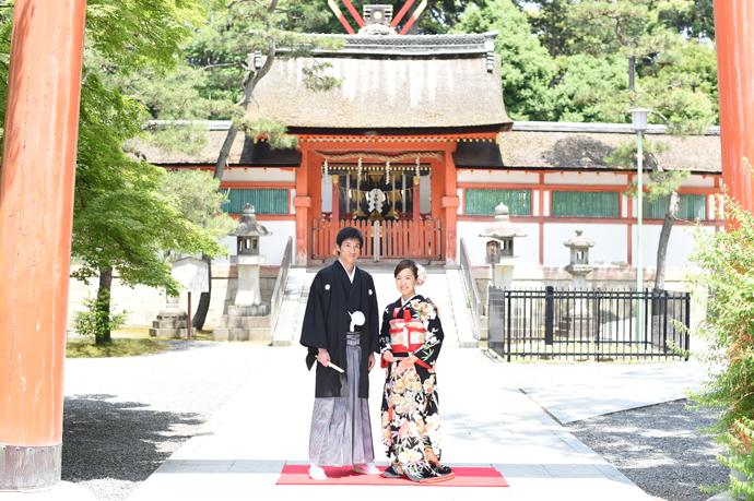 引き振り袖と神社