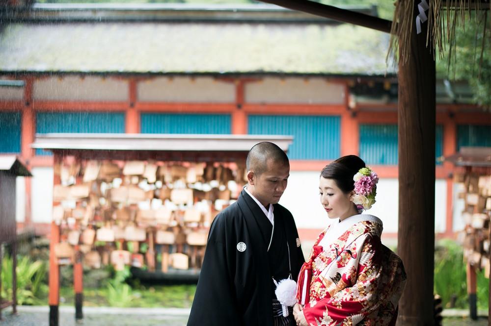 吉田神社にて、色打掛で撮影