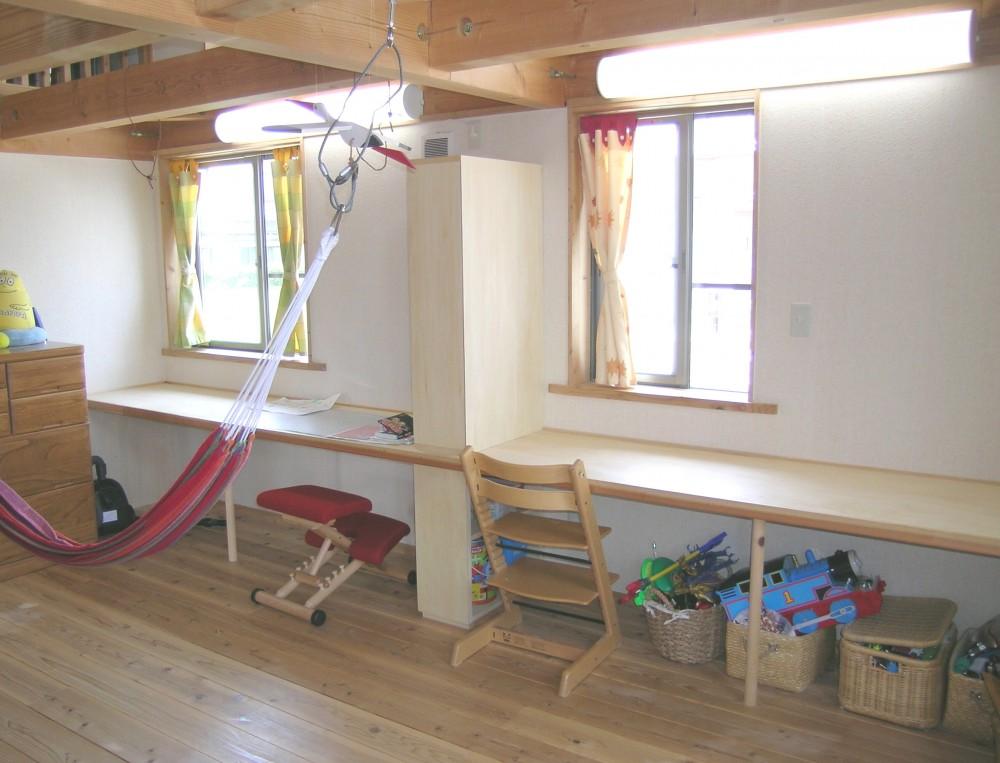 勉強机の設置【滋賀の木の家モデルハウスにて】