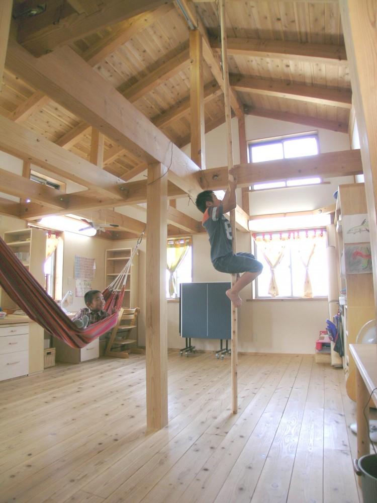 登り棒をつけました!【滋賀の木の家モデルハウスにて】