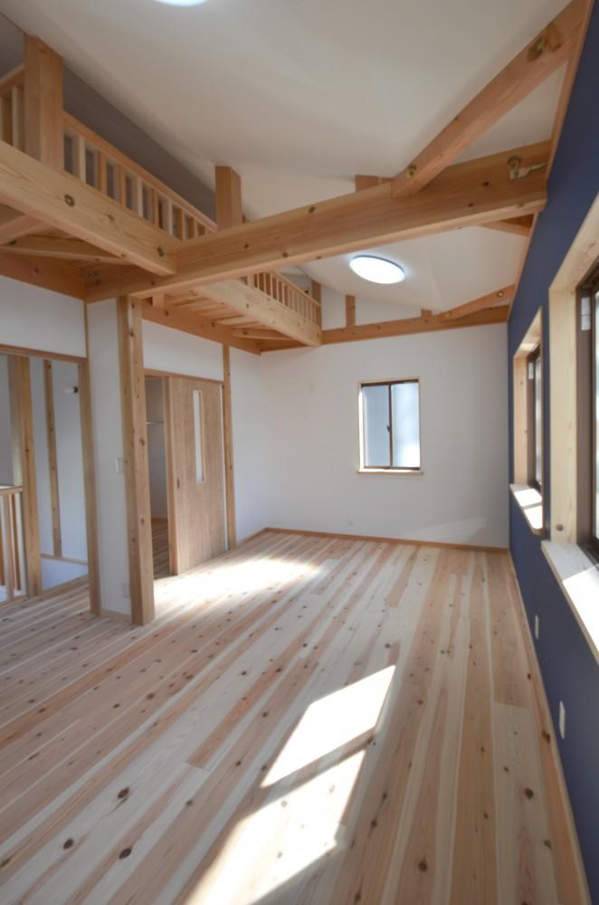 新しく施工事例を追加しました!【小上がり畳のあるLDKの木の家:滋賀県大津市】
