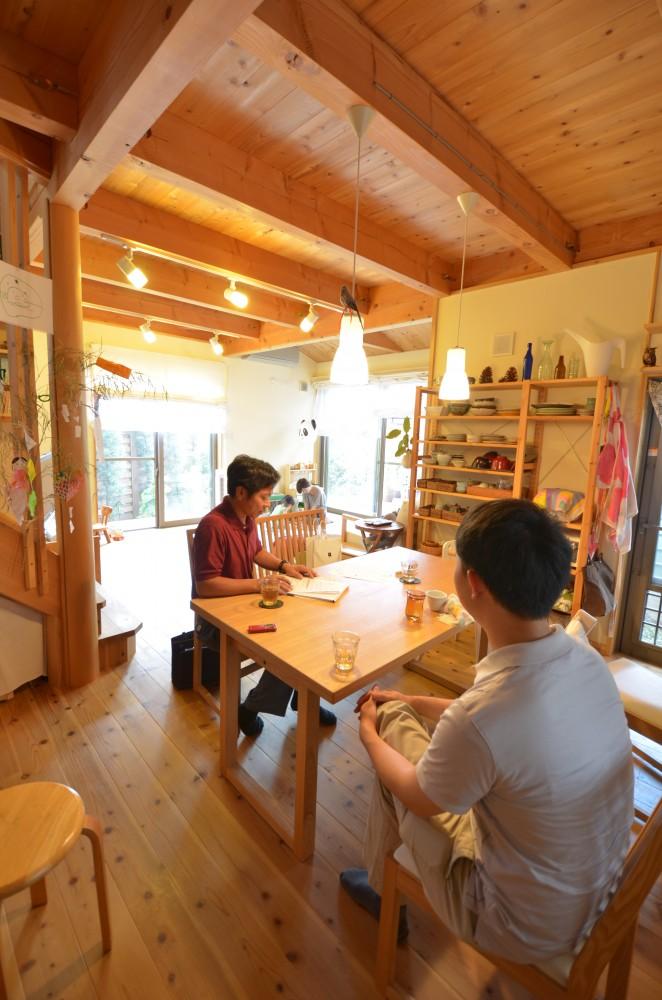 変形敷地をいかした明るいリビングの木の家:京都市 T様