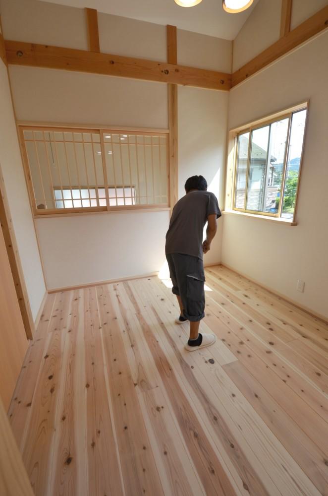 新築工事のお宅にて完成写真撮影