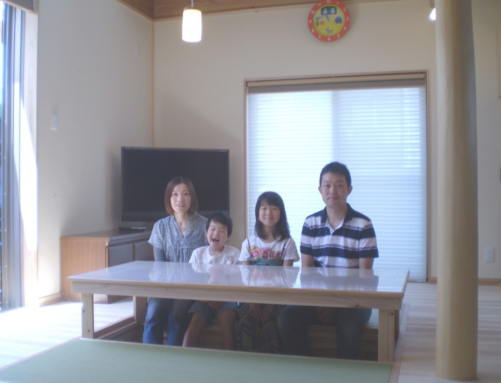 畳コーナーのある吹き抜けリビングの家:京都市 W様